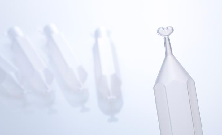特殊形状のペン形容器